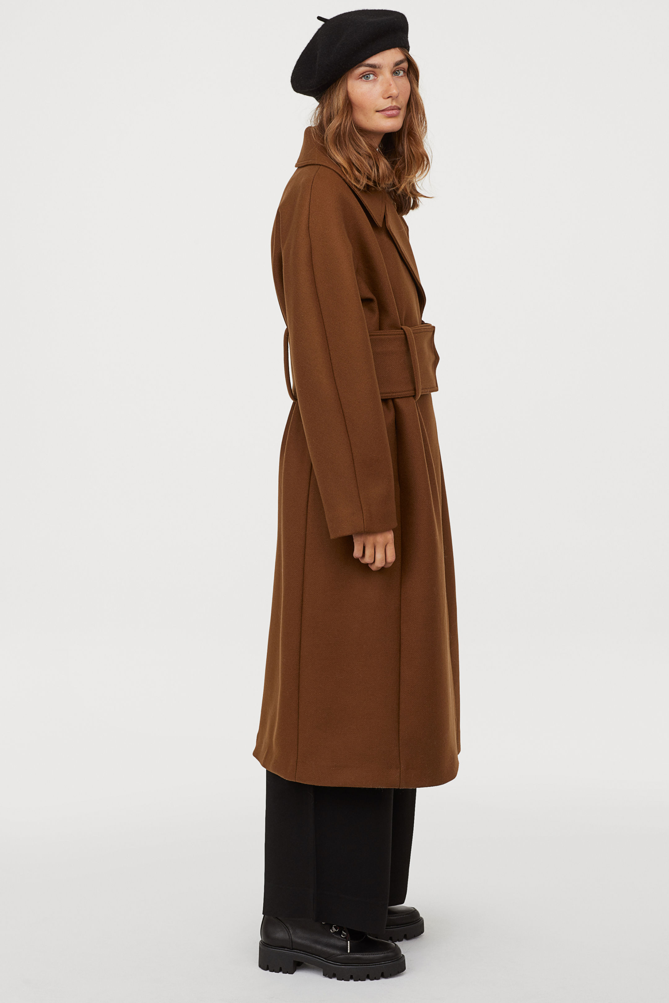 My favorite weekly finds, including this HM Long Wool-blend Coat | Click through for the details. | glitterinc.com | @glitterinc