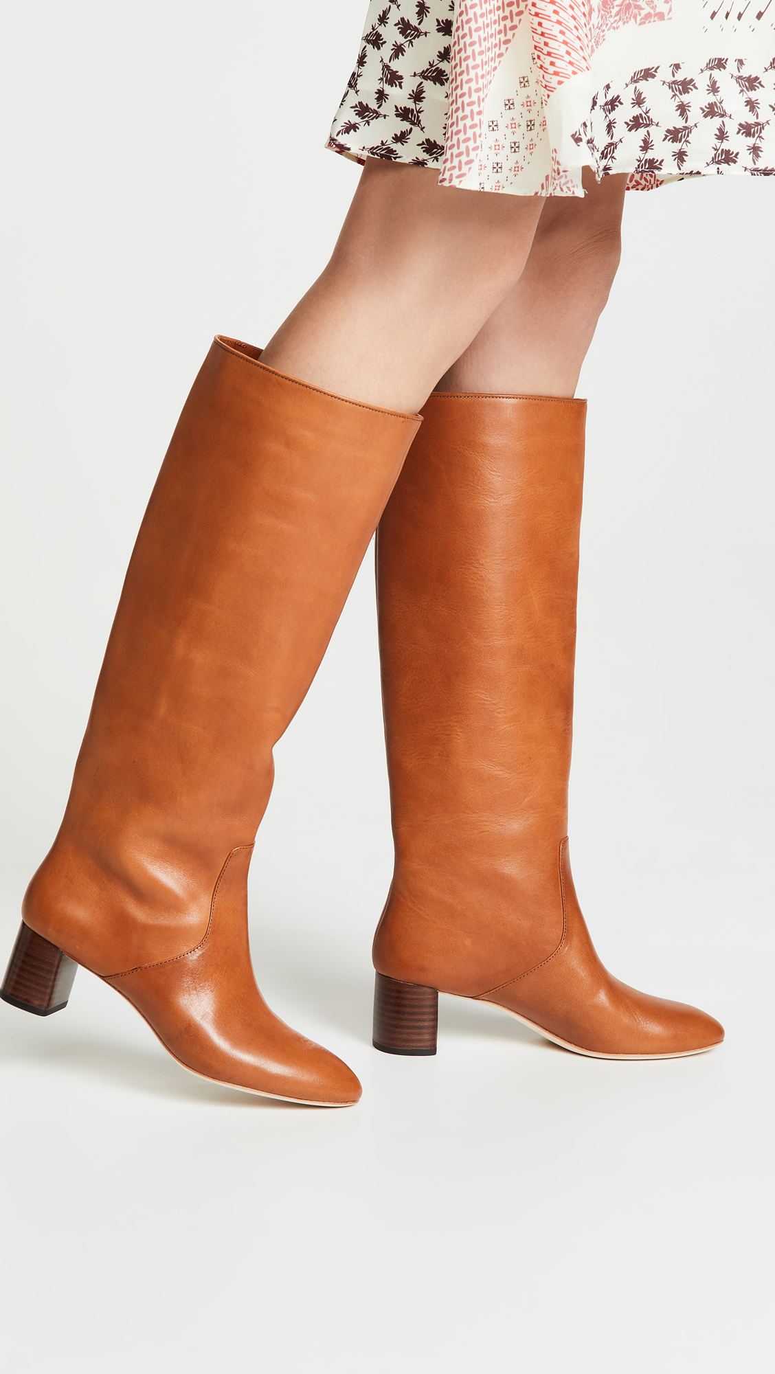 My favorite weekly finds, including these Loeffler Randall Gia Tall Boots | Click through for the details. | glitterinc.com | @glitterinc