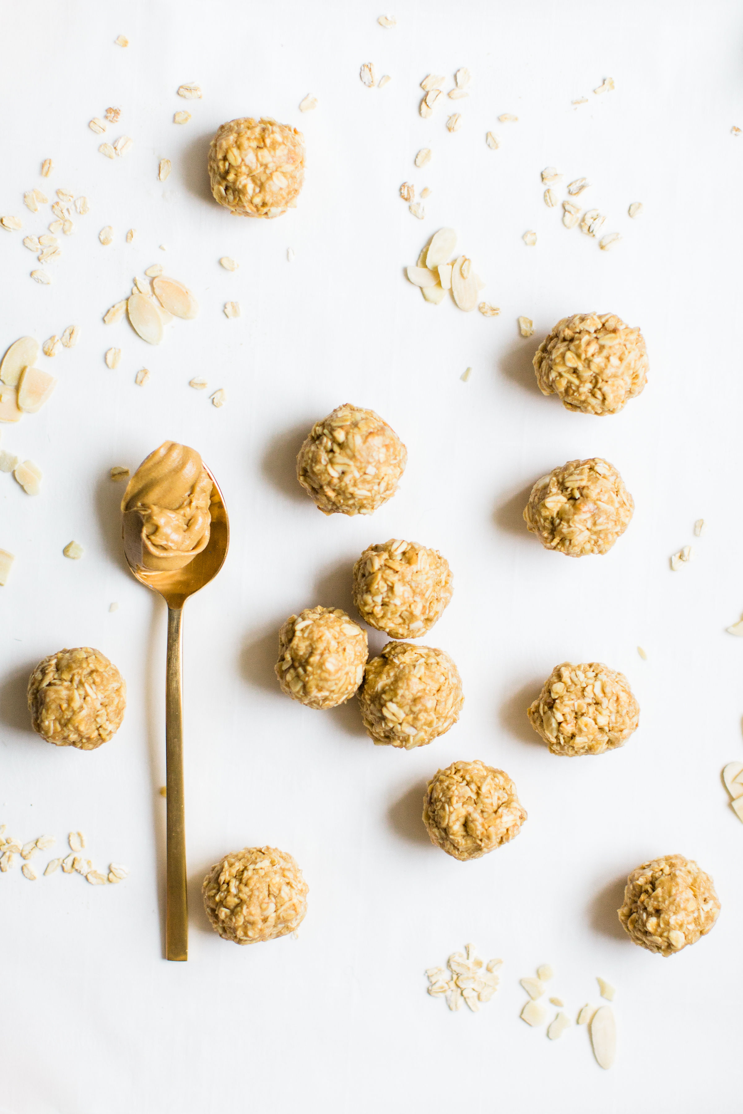 These no-bake energy bites are easy to make, the perfect combination of sweet and salty, have plenty of added protein thanks to the peanut butter, and kids absolutely love them because they're basically delicious no-bake cookies! Click through for the recipe. #snack #energybites #nobake  #healthysnack #kidsrecipe #kidssnack | glitterinc.com | @glitterinc
