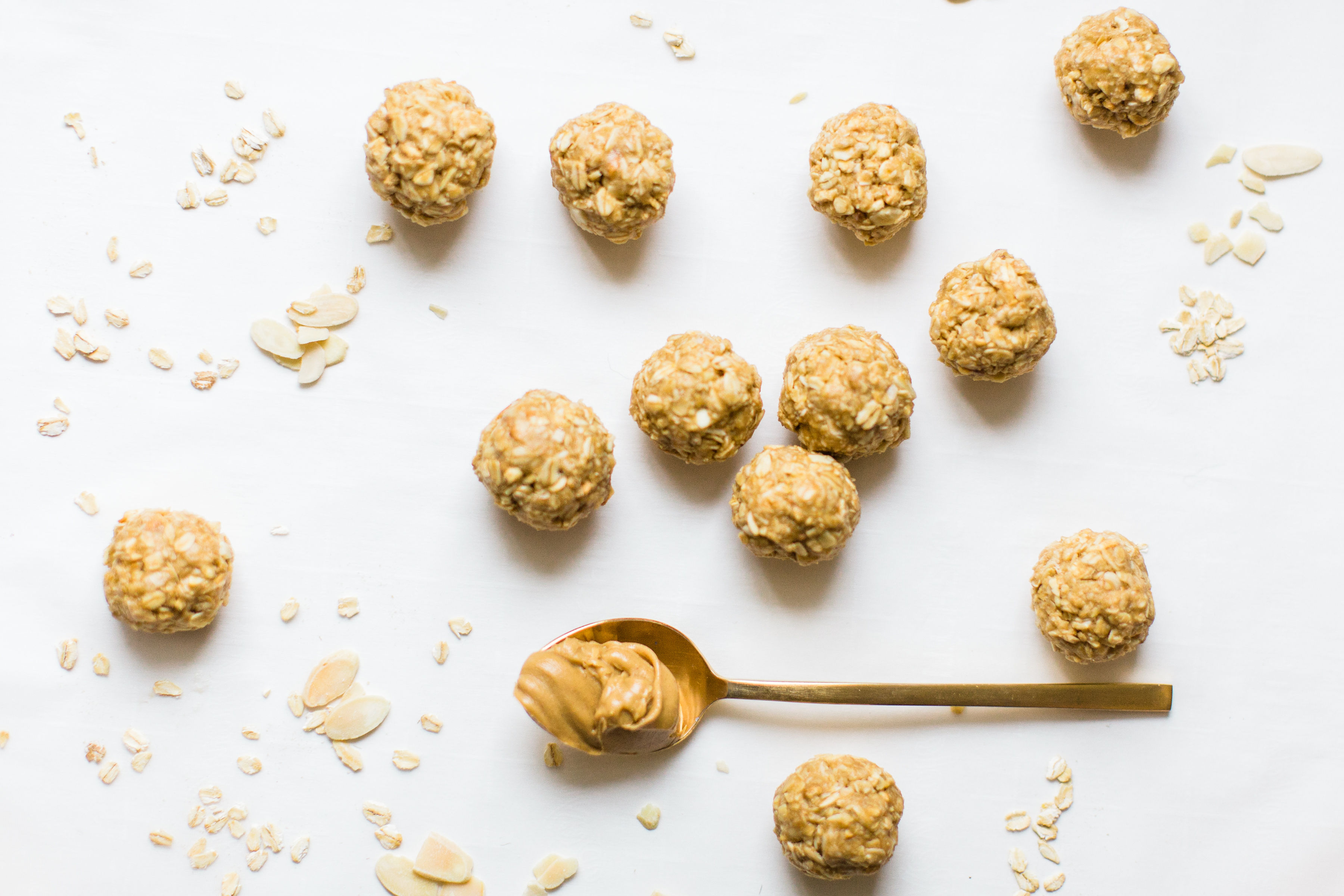 These no-bake energy bites are easy to make, the perfect combination of sweet and salty, have plenty of added protein thanks to the peanut butter, and kids absolutely love them because they're basically delicious no-bake cookies! Click through for the recipe.  #energybites #nobake #nobakecookies #healthysnack #kidsrecipe #kidssnack | glitterinc.com | @glitterinc