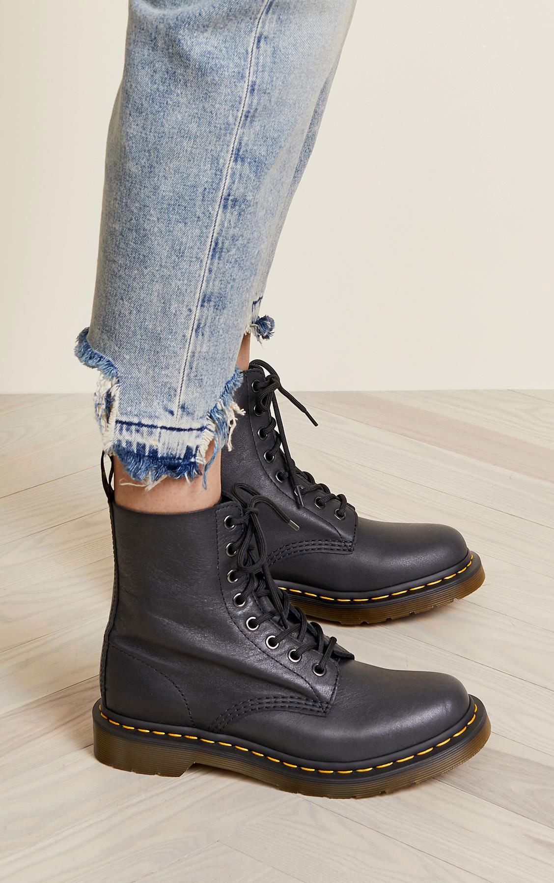 Lifestyle blogger Lexi of Glitter, Inc. shares her favorite weekly finds from around the web, including these new Dr. Martens Pascal Virginia 8-Eye Combat Boot with softer leather and no breaking in time | glitterinc.com | @glitterinc