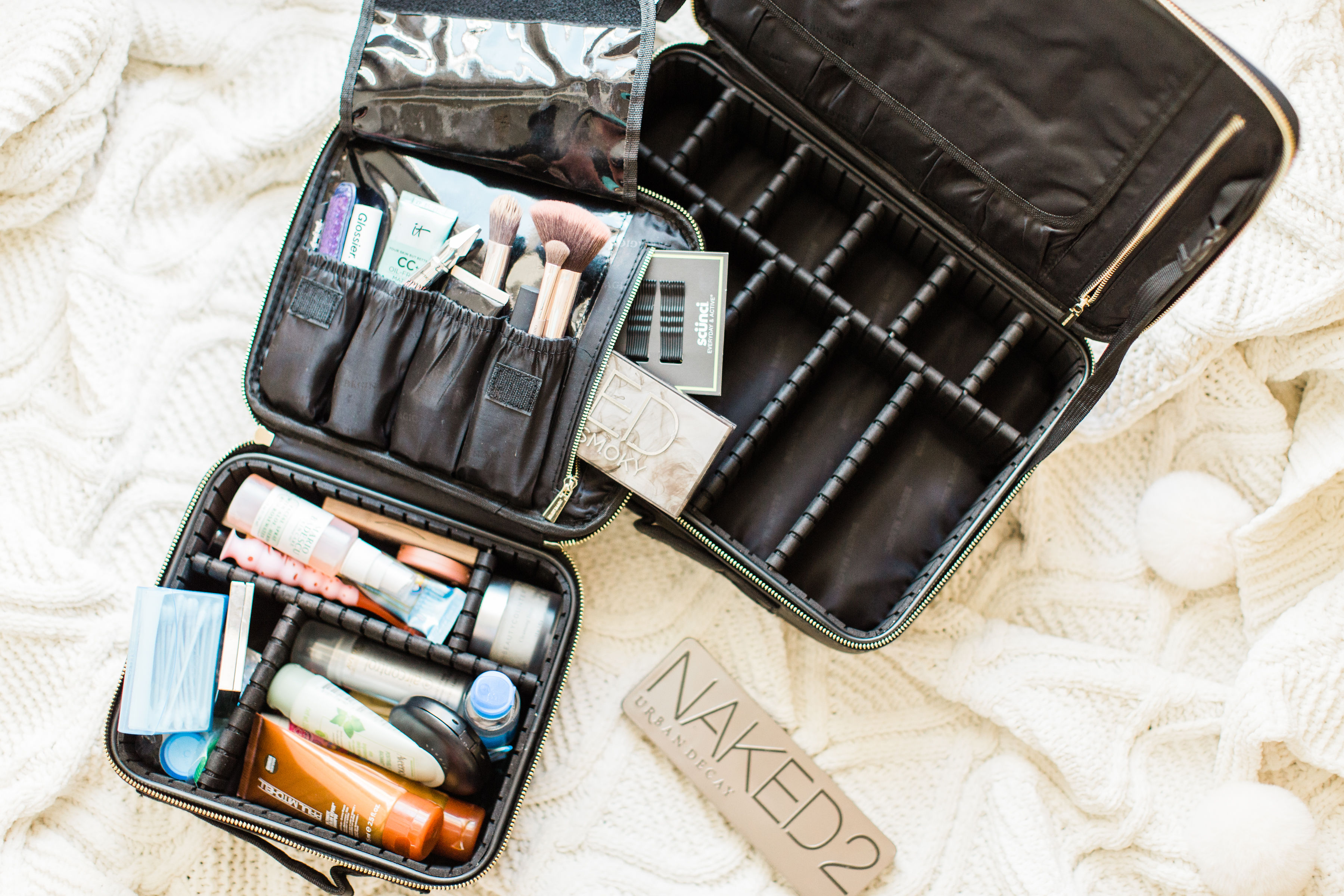 Being Magic is the Amazon makeup organizer travel bag that everyone is buying