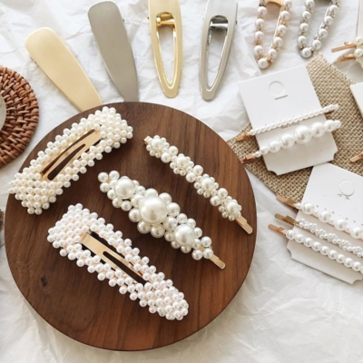 Weekly Finds + Affordable and Chic Pearl Hair Clips