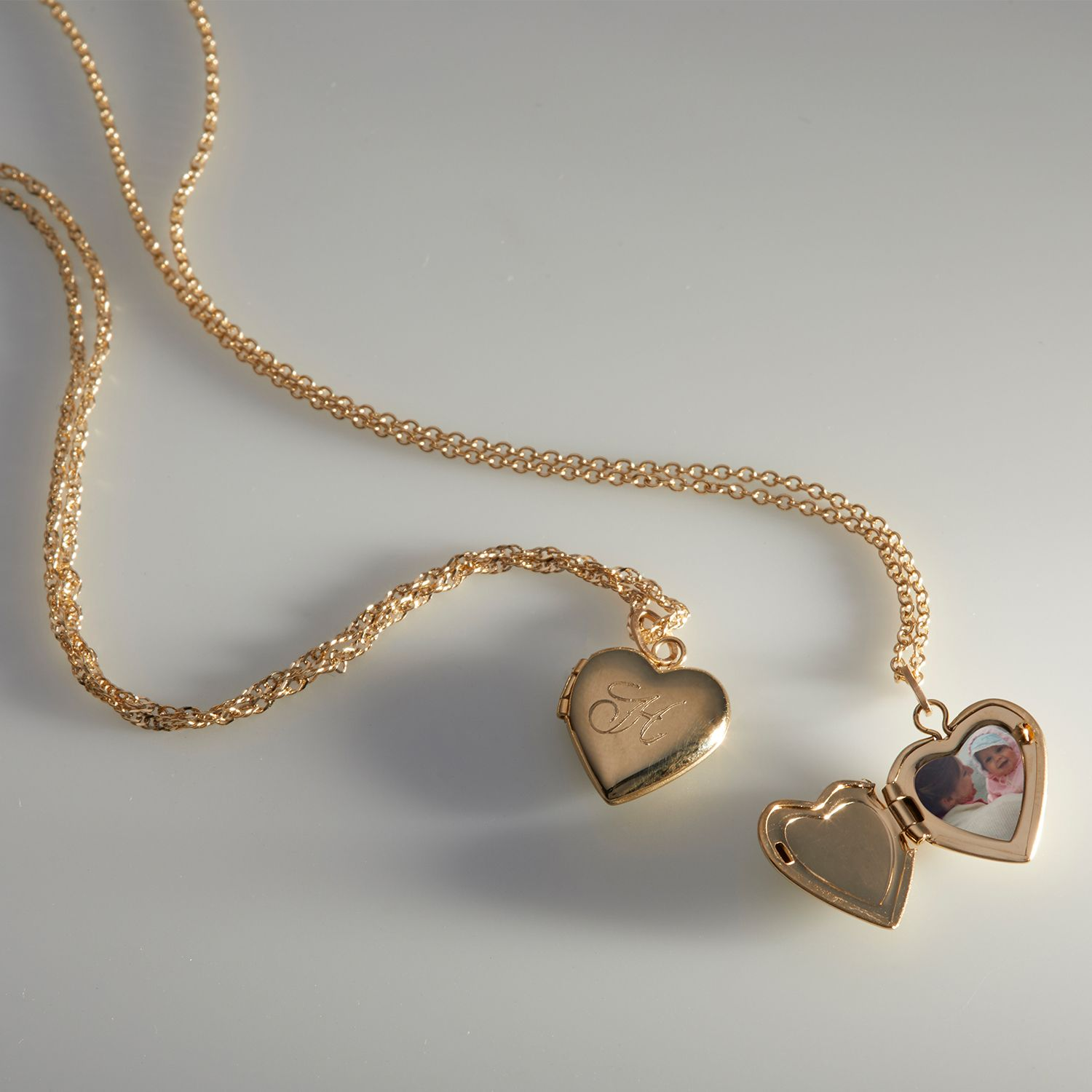 favorite weekly finds from around the web, including this Catbird Dollhouse Heart Locket | glitterinc.com | @glitterinc