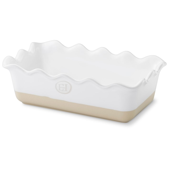 favorite weekly finds from around the web, including this Emile Henry Ruffled Loaf Pan | glitterinc.com | @glitterinc