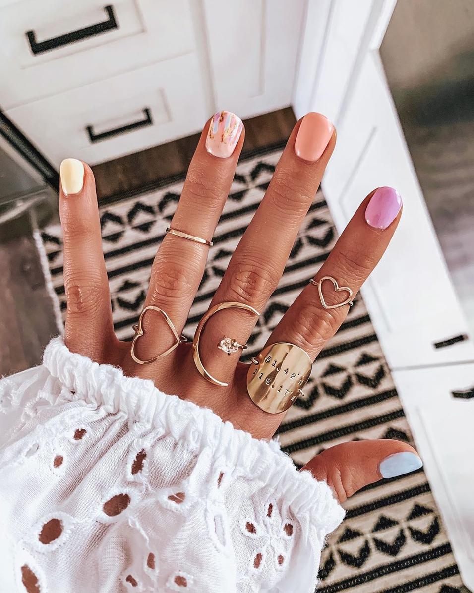 Raimbow Mani - Ombré Nails - Instagram