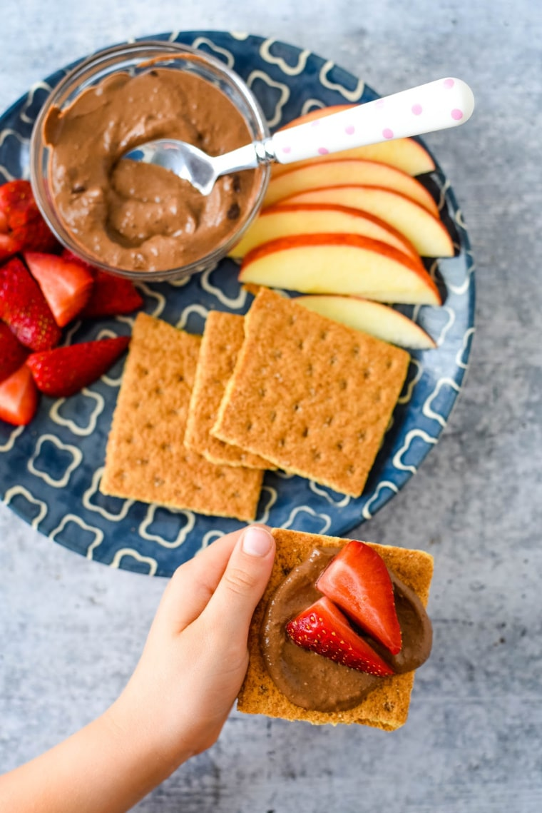 snack with crackers and apples
