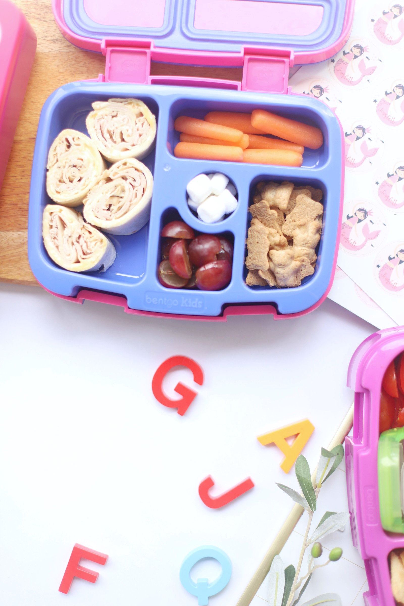 a bento box lunch idea that includes food for kids