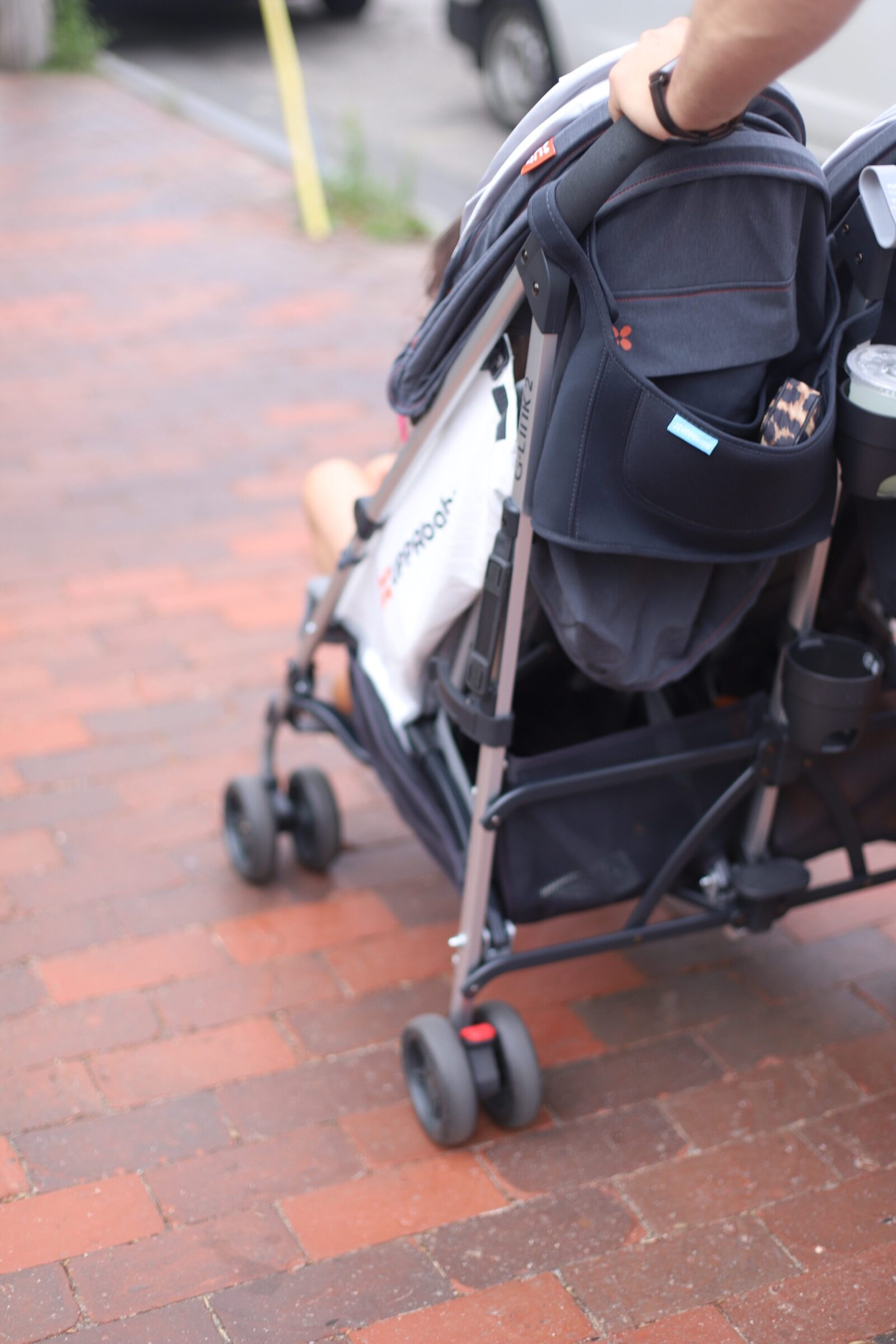 Looking for a lightweight double stroller for two little ones? Sharing a review of our trusted UPPAbaby G-LINK 2 and why it's the perfect double stroller for travel with two kids. | @glitterinclexi | GLITTERINC.COM