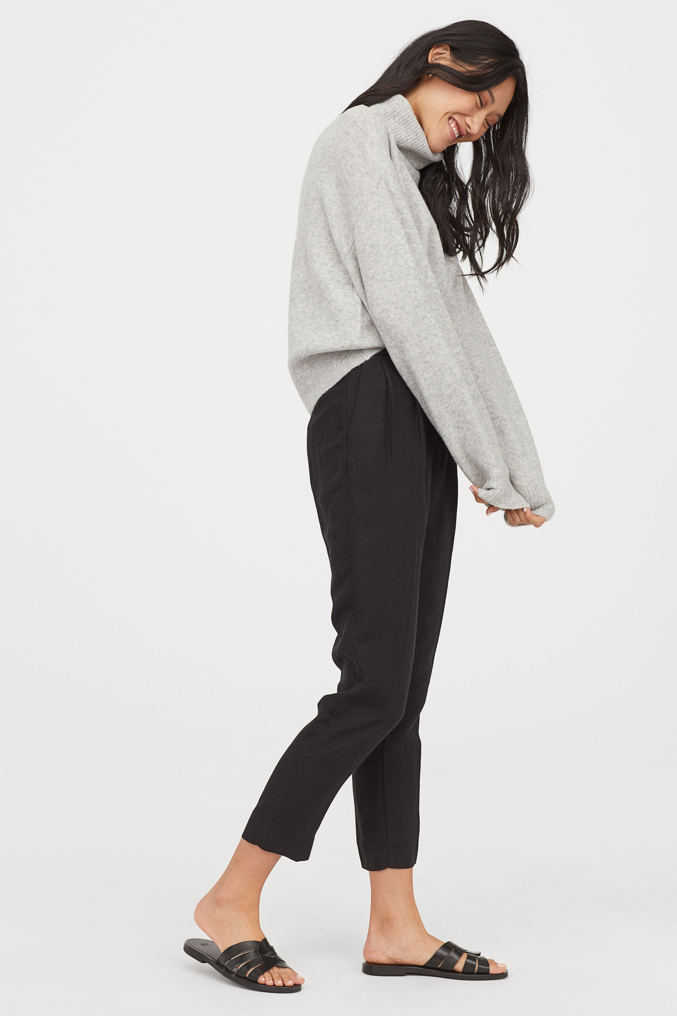 H&M Knit Turtleneck Sweater, Ruffled Apron, weekly finds