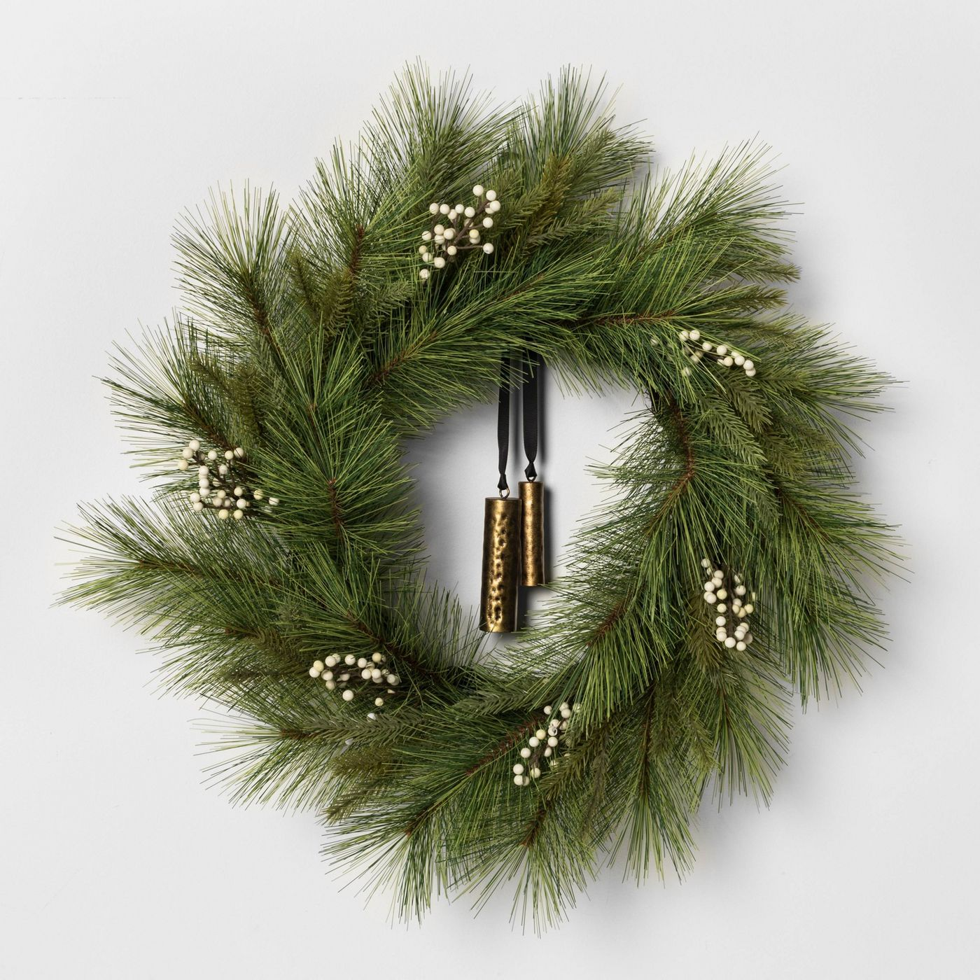 WEEKLY FINDS // Faux White Pine Wreath and Favorite Billie Razor
