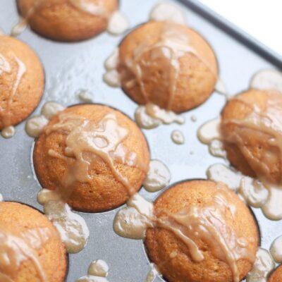 Pumpkin Muffins Topped with Brown Sugar Cinnamon Glaze - GLITTERINC.COM