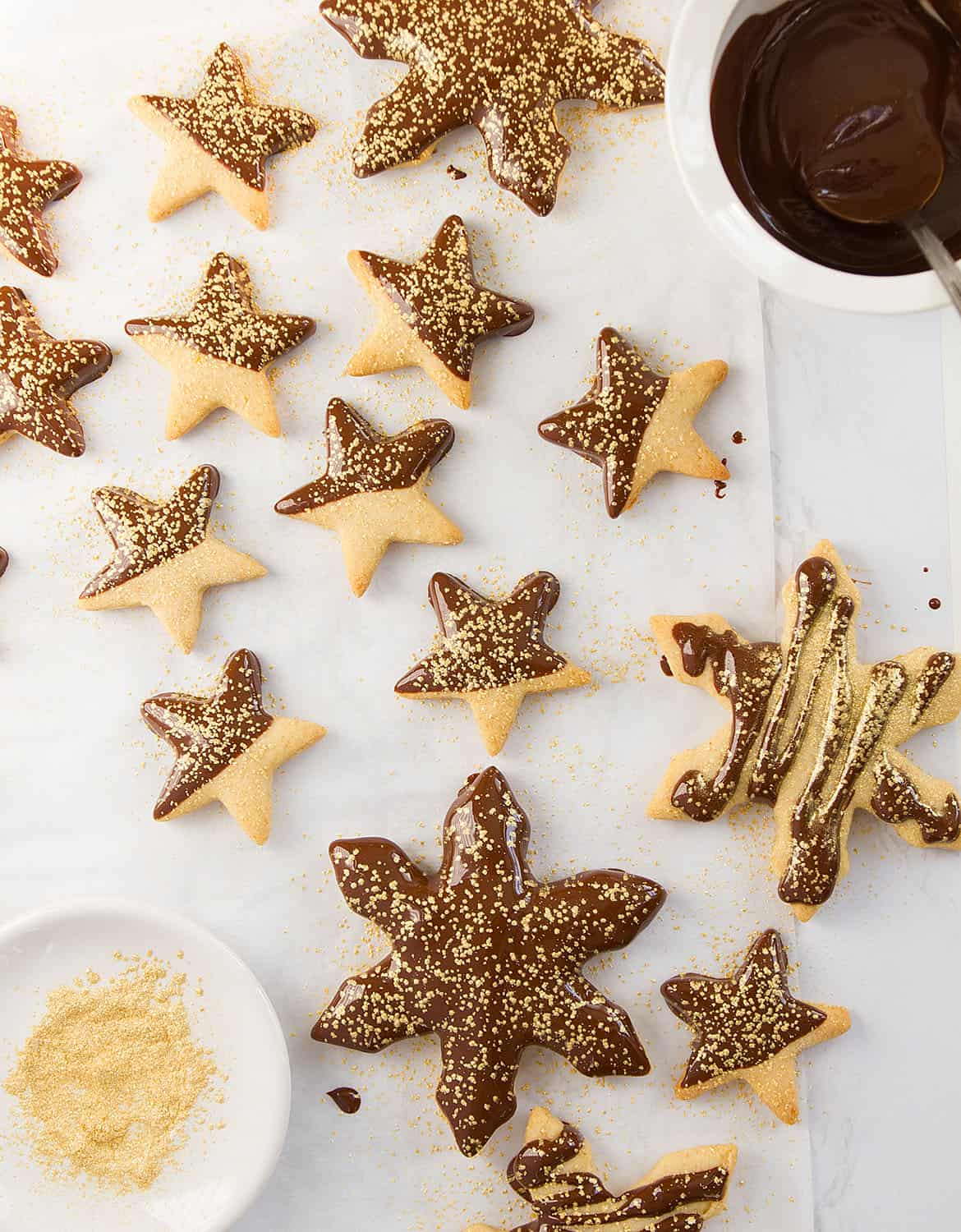 1-Bowl Chocolate Orange Cookies, plus how to throw a Christmas cookie exchange this holiday season! These hosting tips will help you to plan one awesome cookie swap party, including more than 40 recipes for our favorite holiday cookies ever! | glitterinc.com | @glitterinc