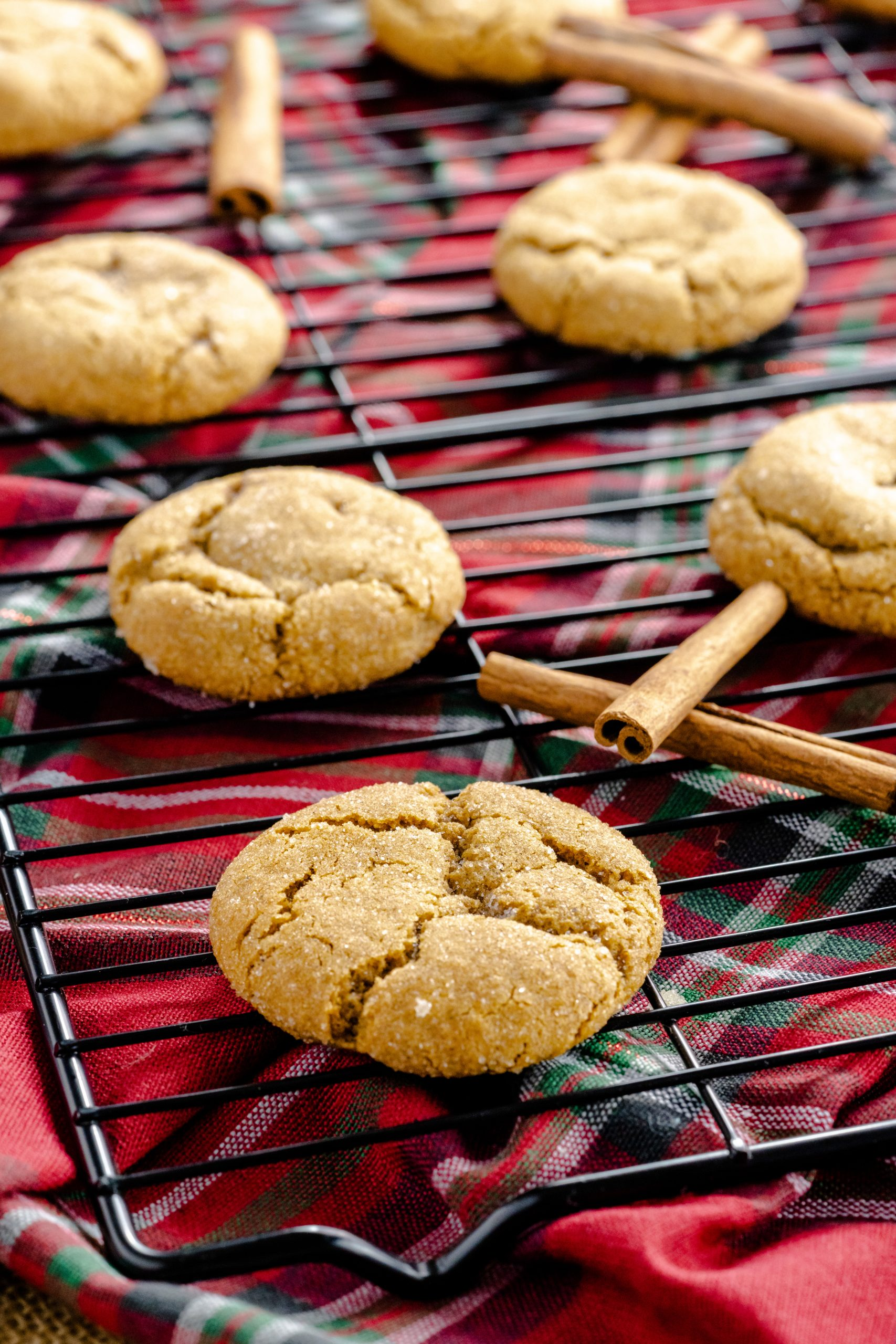 Soft and Chewy Gingersnap Cookies | glitterinc.com | @glitterinc