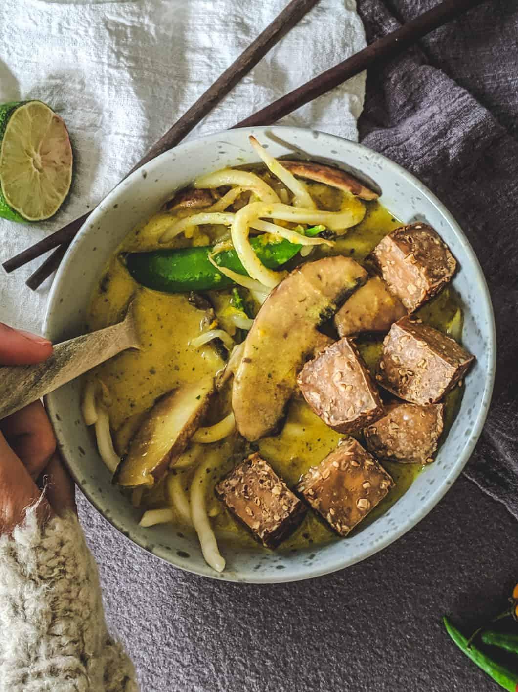 vegan laksa noodle soup