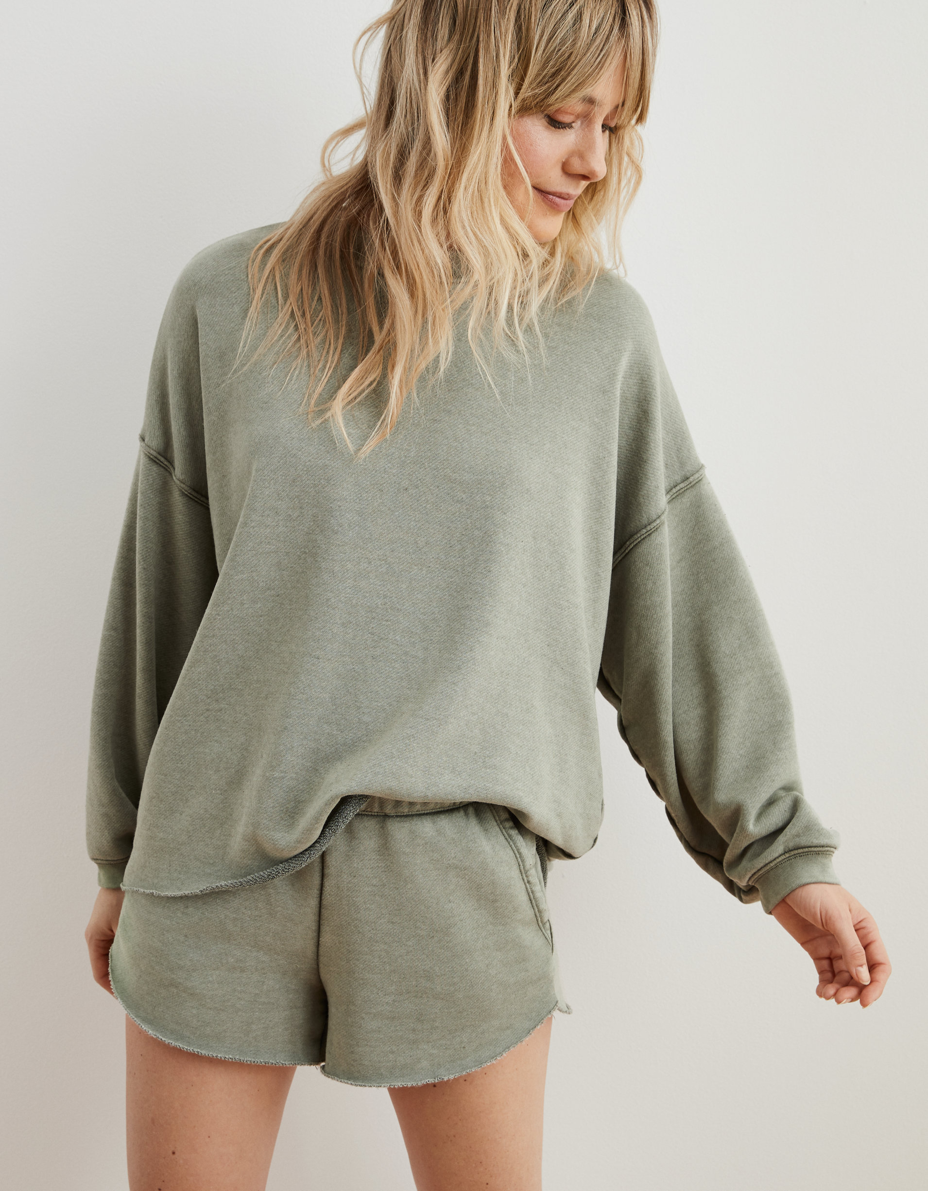 WEEKLY FINDS; including the Aerie Sunday Soft Sweatshirt and Short | Cozy Amazon Slippers