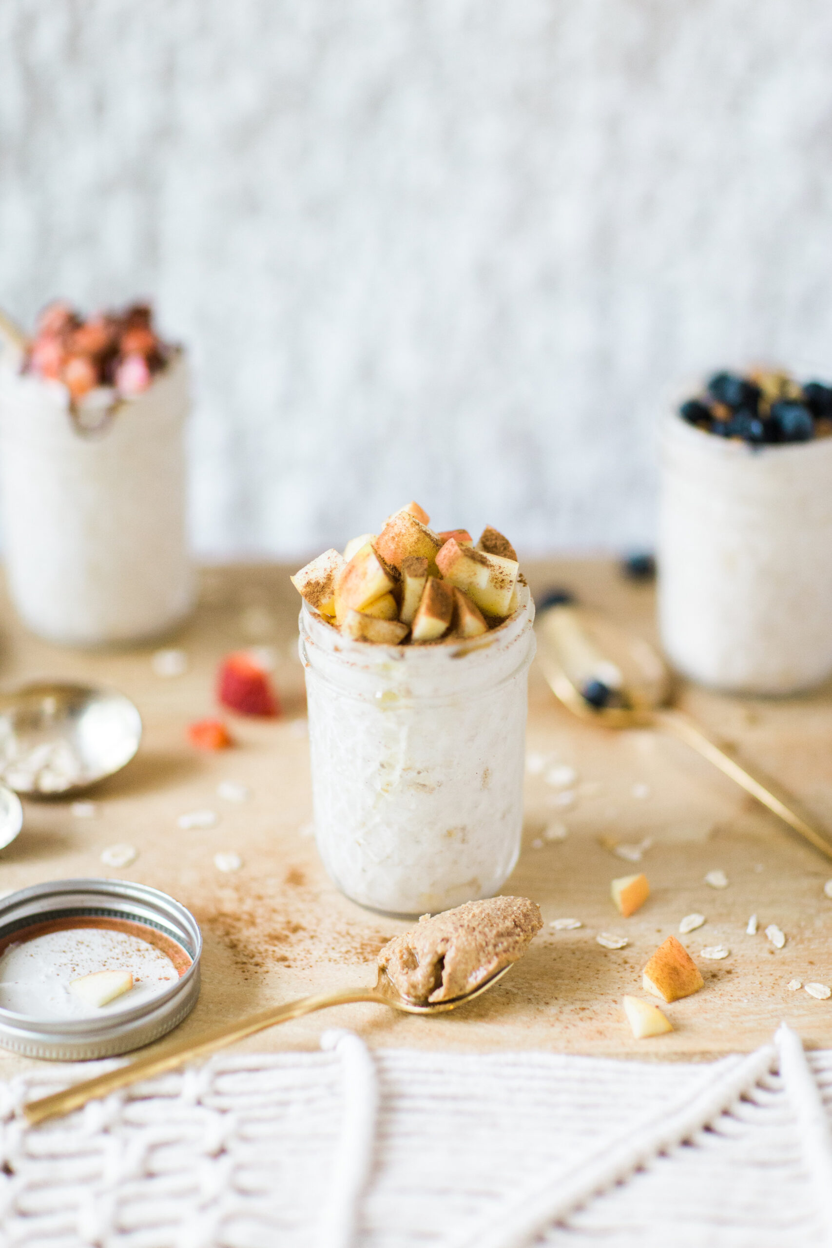 How to Make Easy Overnight Oats (3 Ways!)