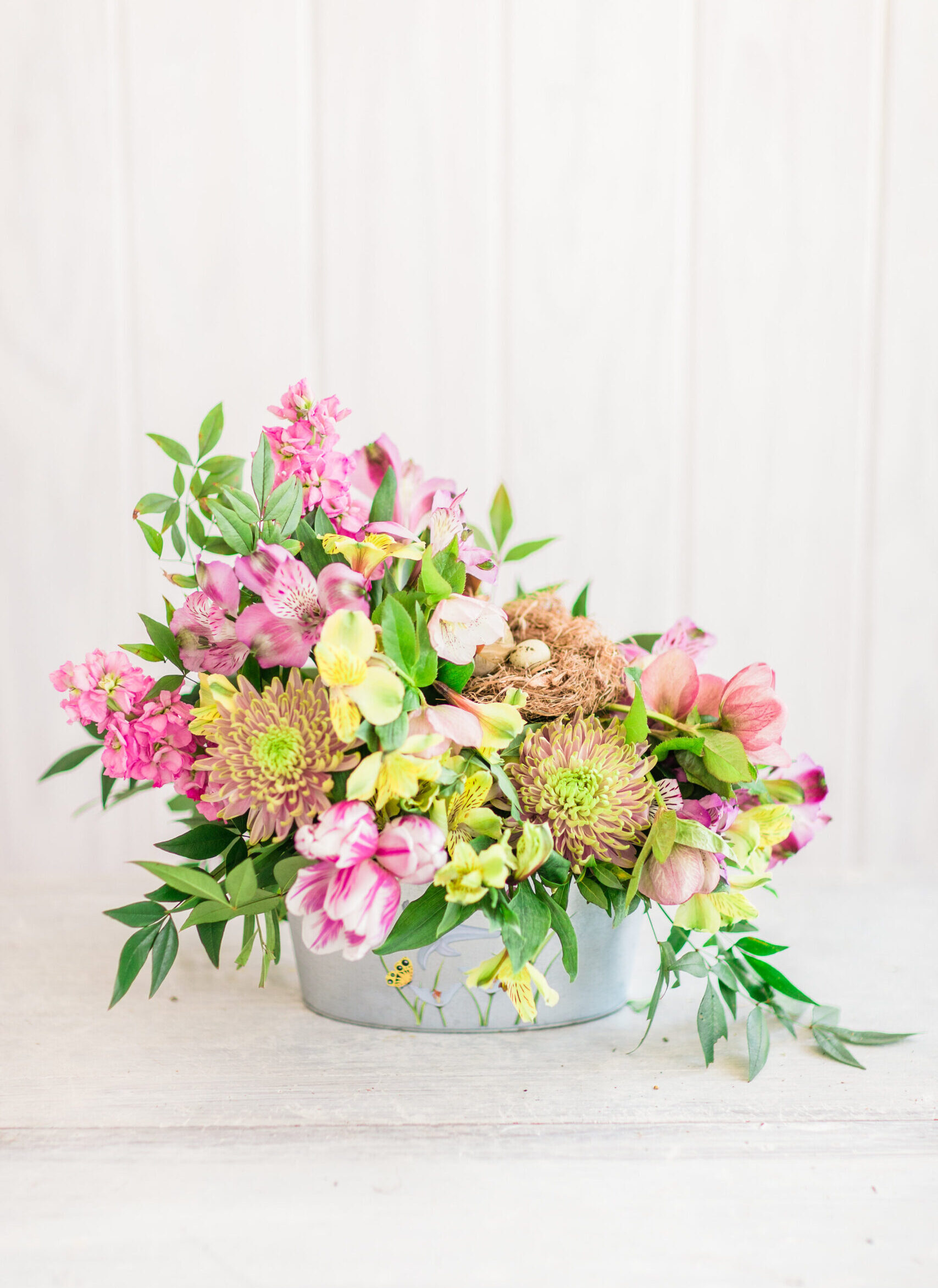 How to Make a Beautiful Spring Floral Arrangement for Easter