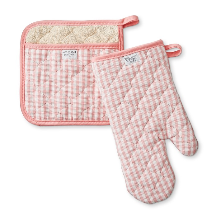 WEEKLY FINDS; including the Williams-Sonoma Chef Check Oven Mitt and Potholder Set | glitterinc.com | @glitterinc