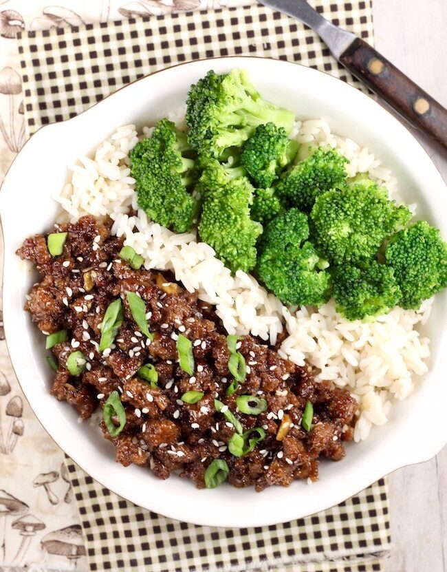 These family-friendly meals use pantry ingredients like beans, lentils, canned goods, pasta, rice, and broth, plus or minus staples that keep well in the freezer or refrigerator. These flexible recipes are all about using what you have on hand to make easy, delicious lunches and dinners! | glitterinc.com | @glitterinc // Easy Korean Ground Beef and Broccoli Recipe