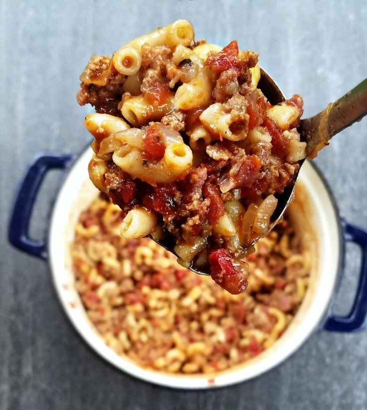 These family-friendly meals use pantry ingredients like beans, lentils, canned goods, pasta, rice, and broth, plus or minus staples that keep well in the freezer or refrigerator. These flexible recipes are all about using what you have on hand to make easy, delicious lunches and dinners! | glitterinc.com | @glitterinc // Goulash, American Chop Suey
