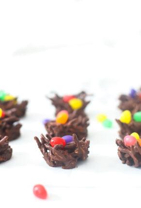 No-Bake Chocolate Birds Nests – Easter Dessert – Vegan Bird's Nest Treat – Recipe – GLITTERINC.COM – IMG_2633