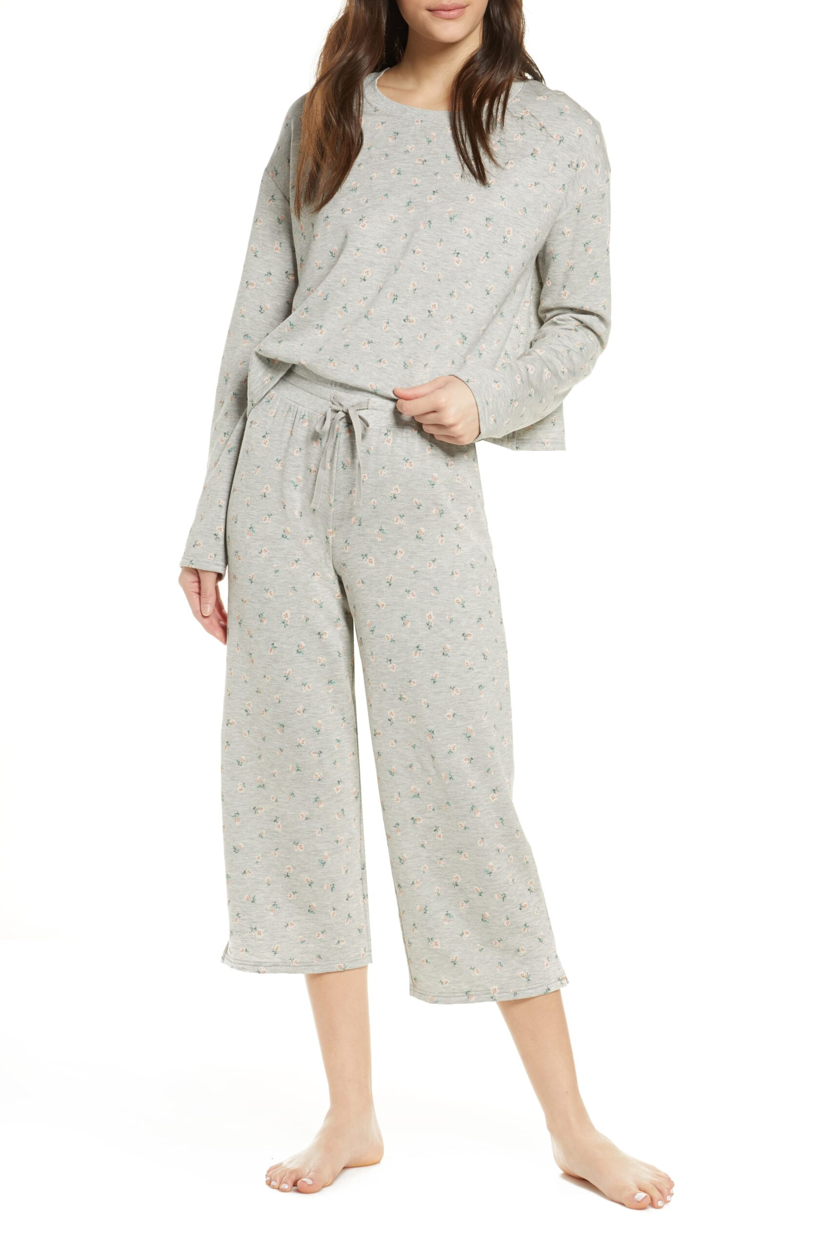 Slip into one of these adorably chic and on trend Loungewear Sets and Matching Sweatsuits, look cute as could be from the comfort of your sofa, and and stay on budget. These adorable and under $50 cozy and chic sets will get you through the season in total comfort! | glitterinc.com | @glitterinc // Bp. All Weekend Crop Sweatshirt + Bp. All Weekend Crop Pants