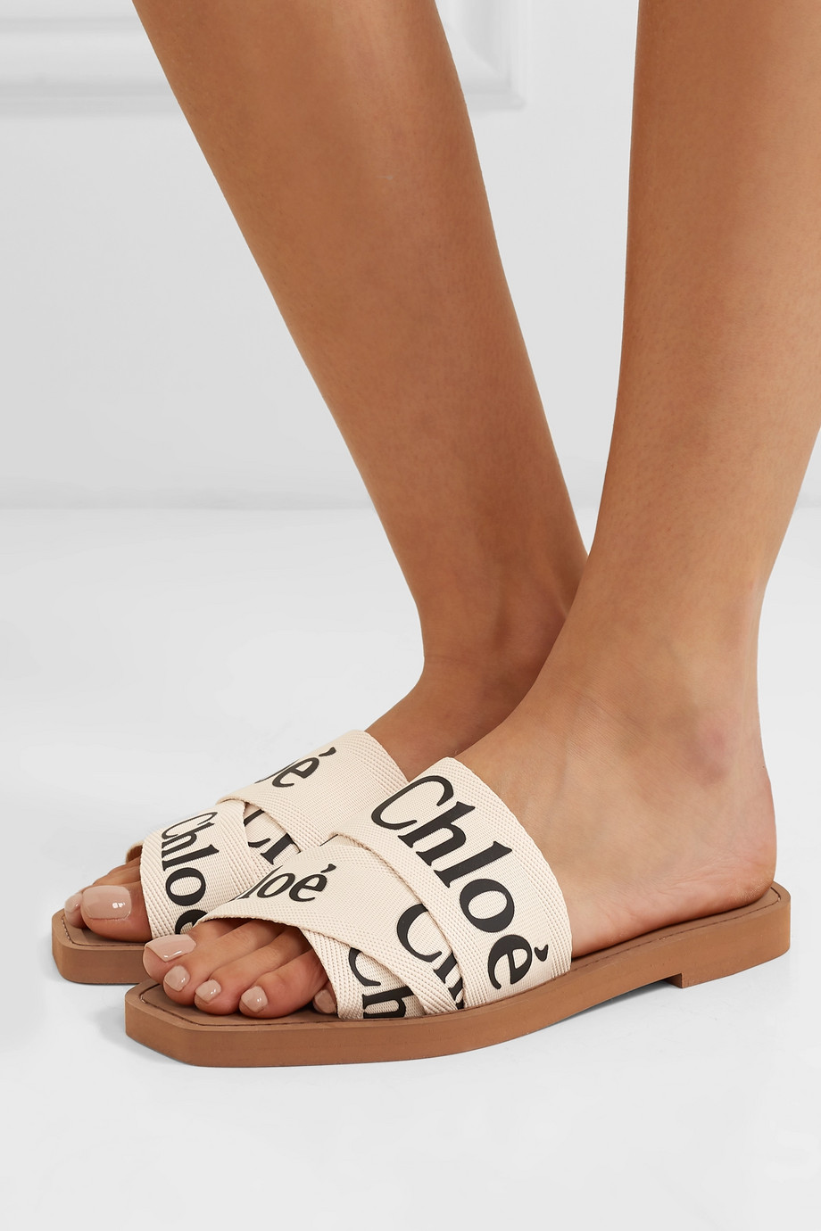 WEEKLY FINDS // CHLOÉ Woody Logo-Print Canvas Slides