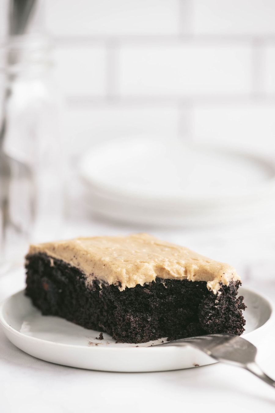 More than 100+ amazing recipes for the Jewish holiday of Passover, including a bunch of go-to, favorite Pesach recipes to make for Seder dinner, including appetizers, side dishes, and desserts, with plenty that work as great leftovers for the holiday week to follow. | glitterinc.com | @glitterinc // Gluten Free Chocolate Cake with Peanut Butter Frosting