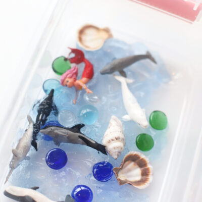 Easy and Fun Kids Ocean Sensory Bin Activity - DIY - Activities at Home - Sea Exploration - GLITTERINC.COM