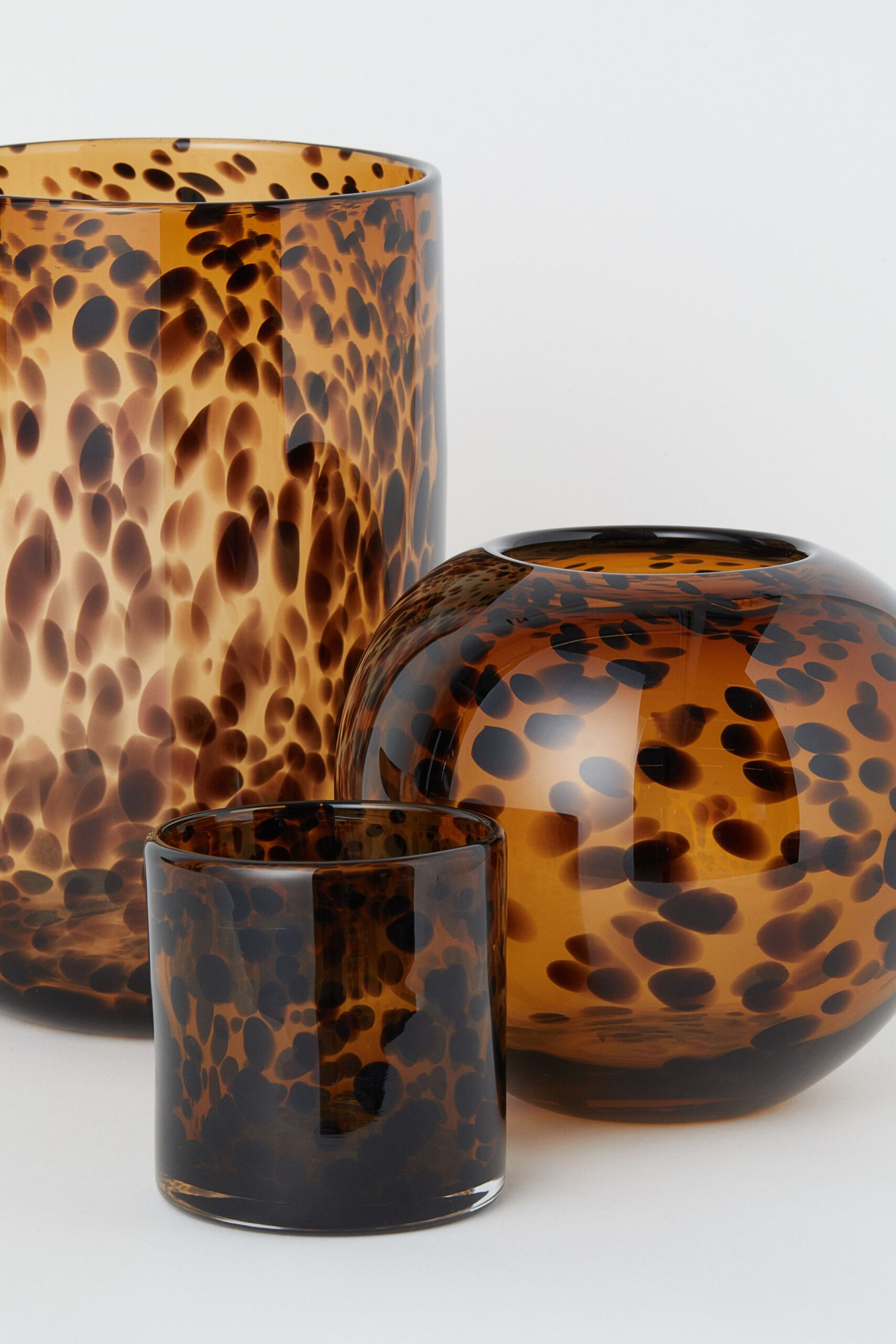 WEEKLY FINDS, Including these HM Candle Lantern and Tortoise Glass Vases