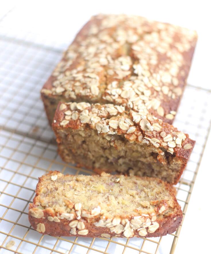 Easy Oatmeal Banana Bread - Easy and Delicious Quick Bread - GLITTERINC.COM