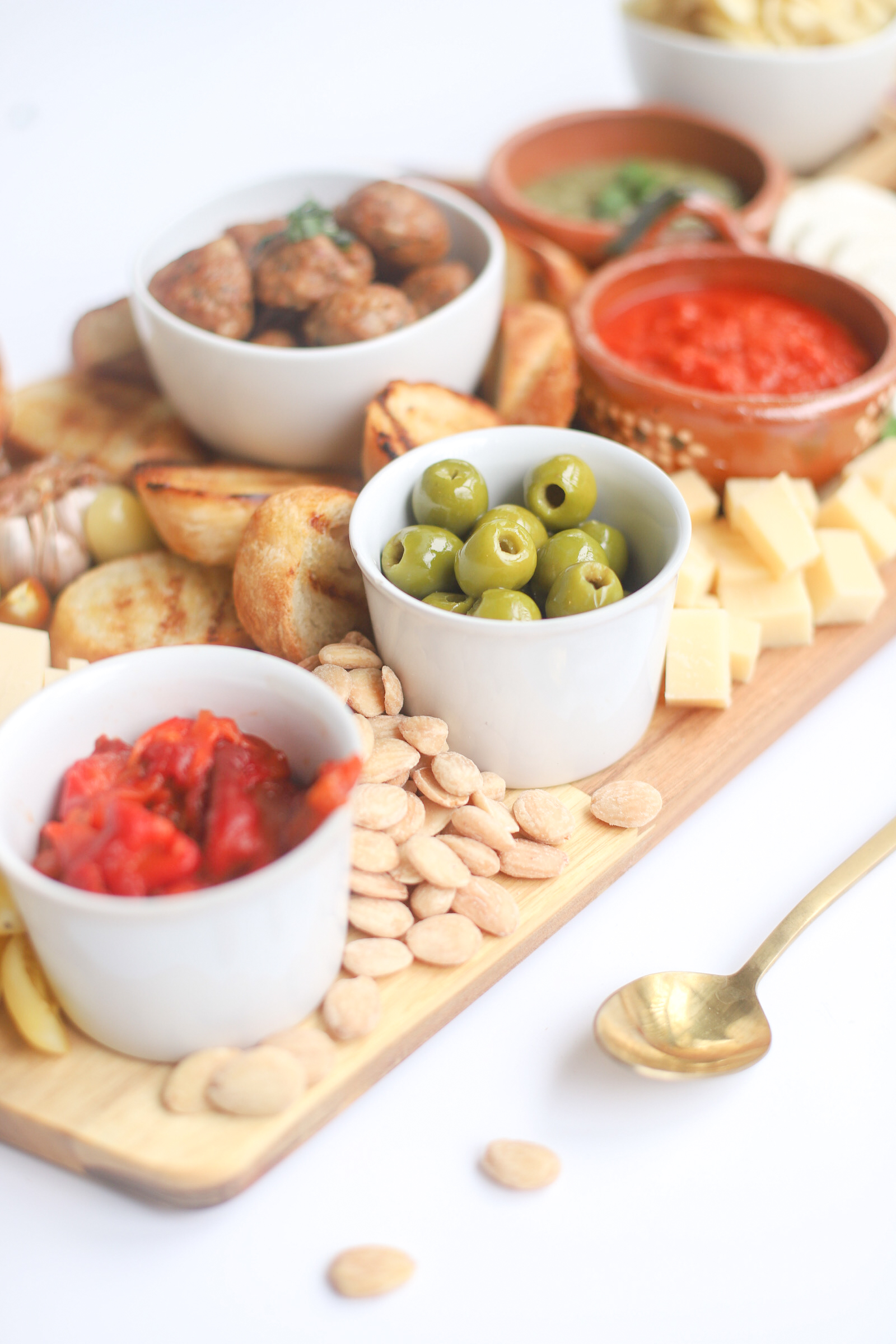 The Perfect Communal Snacking Meal for Summer