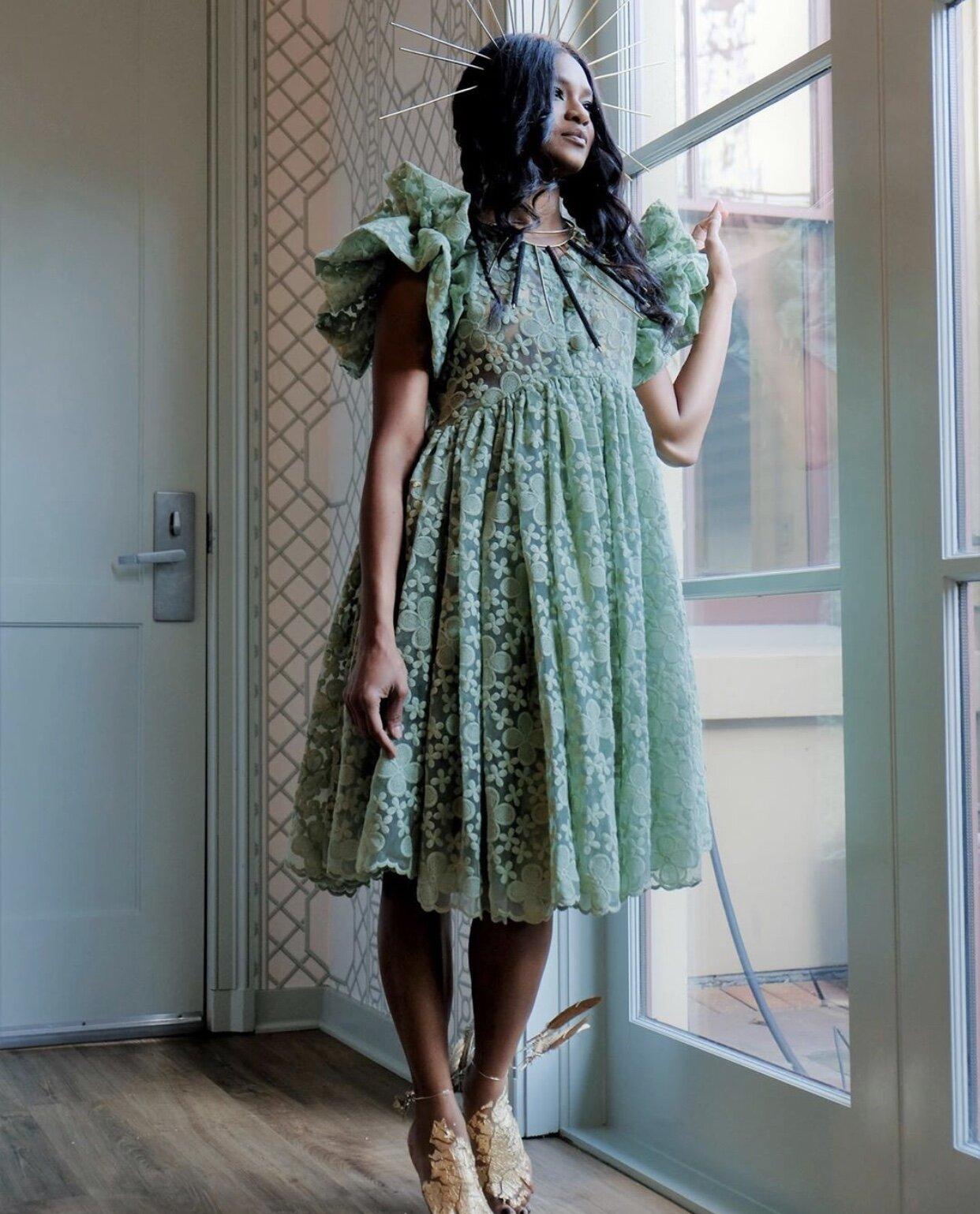 odAOMO Lace Dress