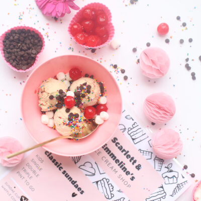 Kids Activity - Ice Cream Sundae Shop, complete with menu and all of the toppings. Such a fun way for kids to play!