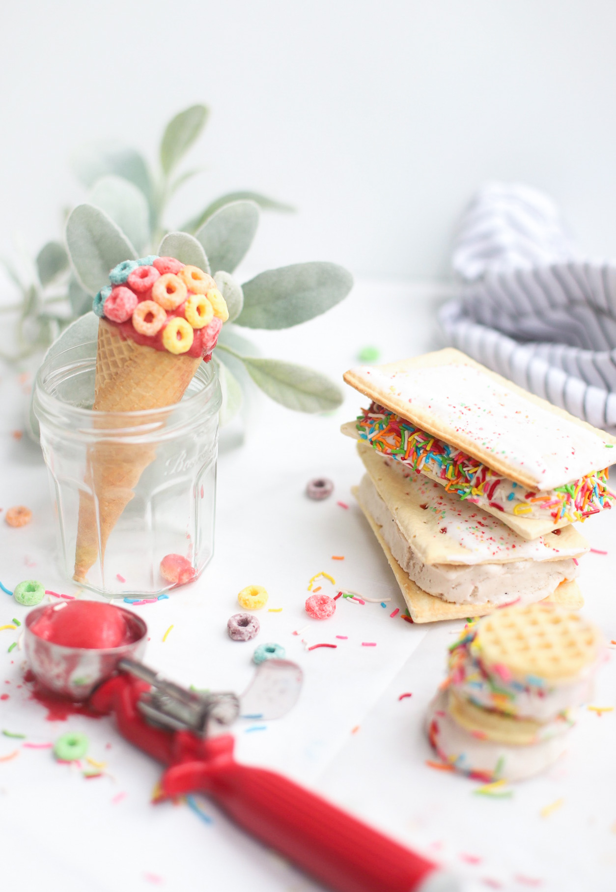 Soak up summer and make an afternoon extra special with the coolest, sweetest, family-friendly activity that's perfect for hot summer days → turn pantry staples into tasty ice cream desserts with the yummiest ice cream hacks! | @glitterinclexi | GLITTERINC.COM