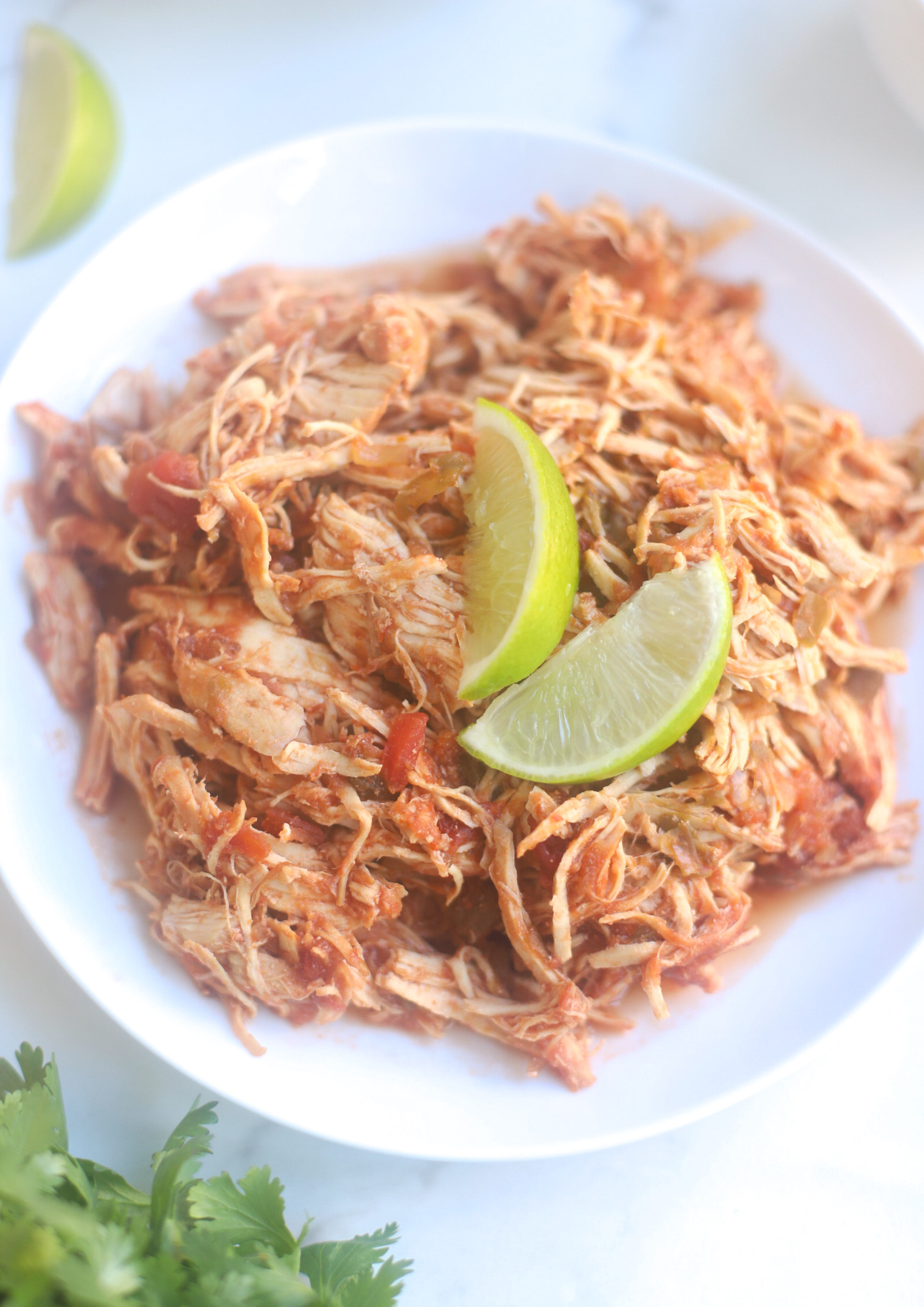 Crockpot Salsa Chicken for the Easiest Delicious Slow Cooker Chicken Tacos - GLITTERINC.COM