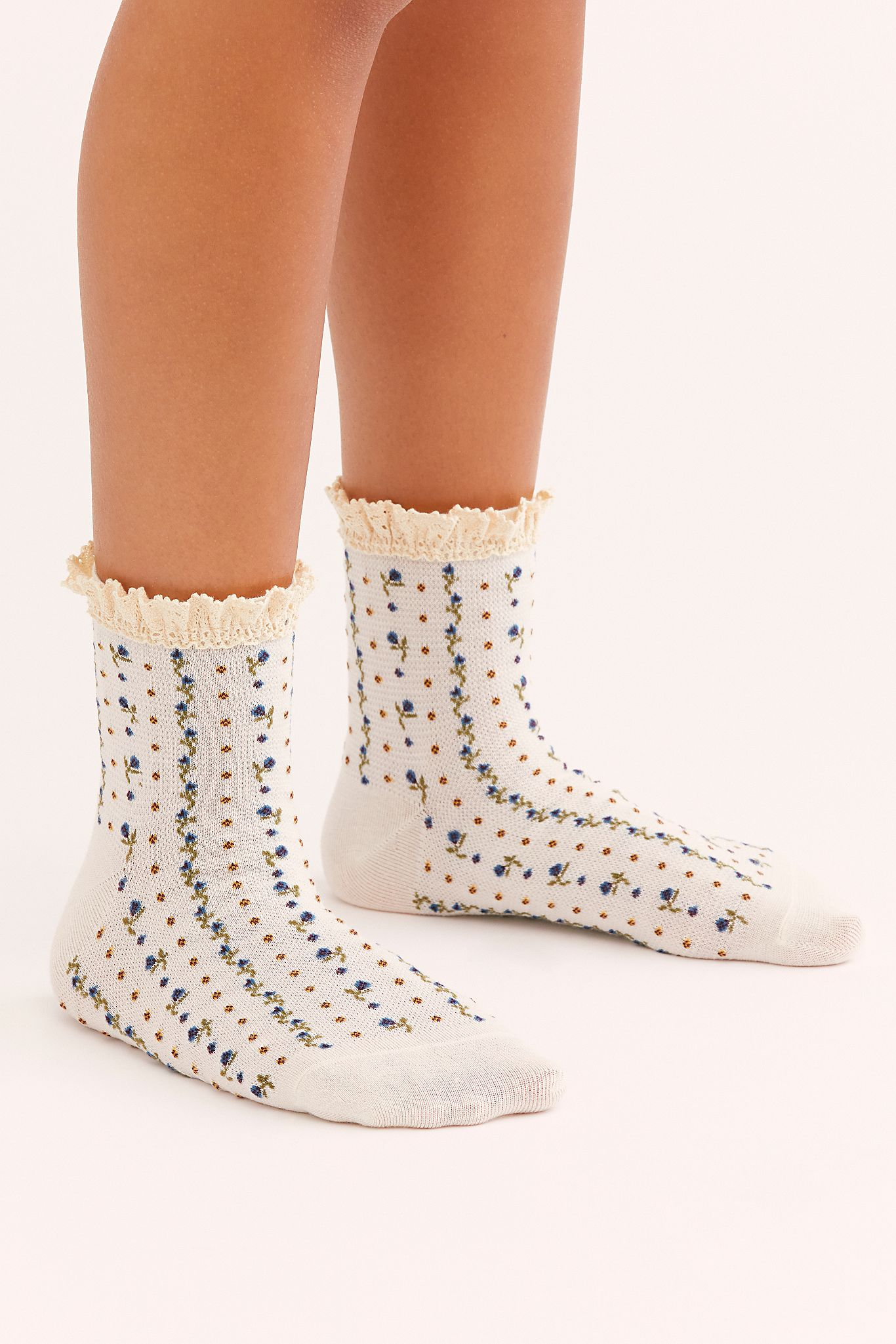 Rosebud Waffle Knit Ankle Socks