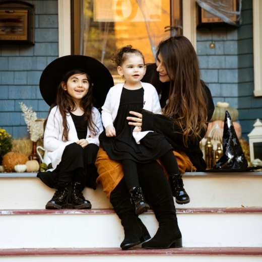 How to Decorate Your Fall Front Porch for Halloween + Our Little Witches