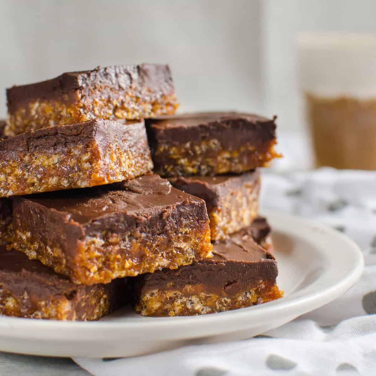 Crunchy Chocolate Pumpkin Caramels (Pumpkin Caramel Rice Krispie Bars)
