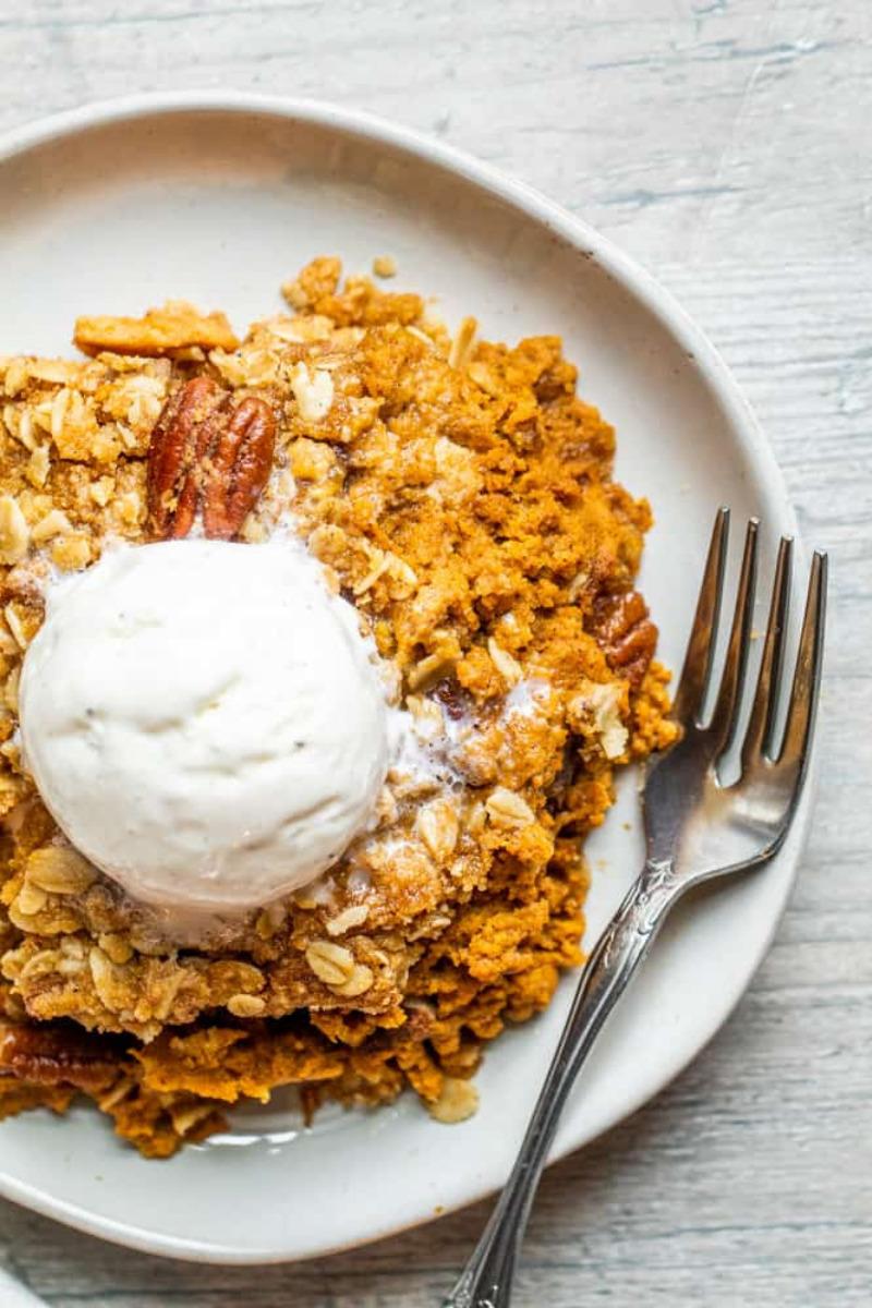 Pumpkin Crisp With a Crunchy Pecan Oat Topping