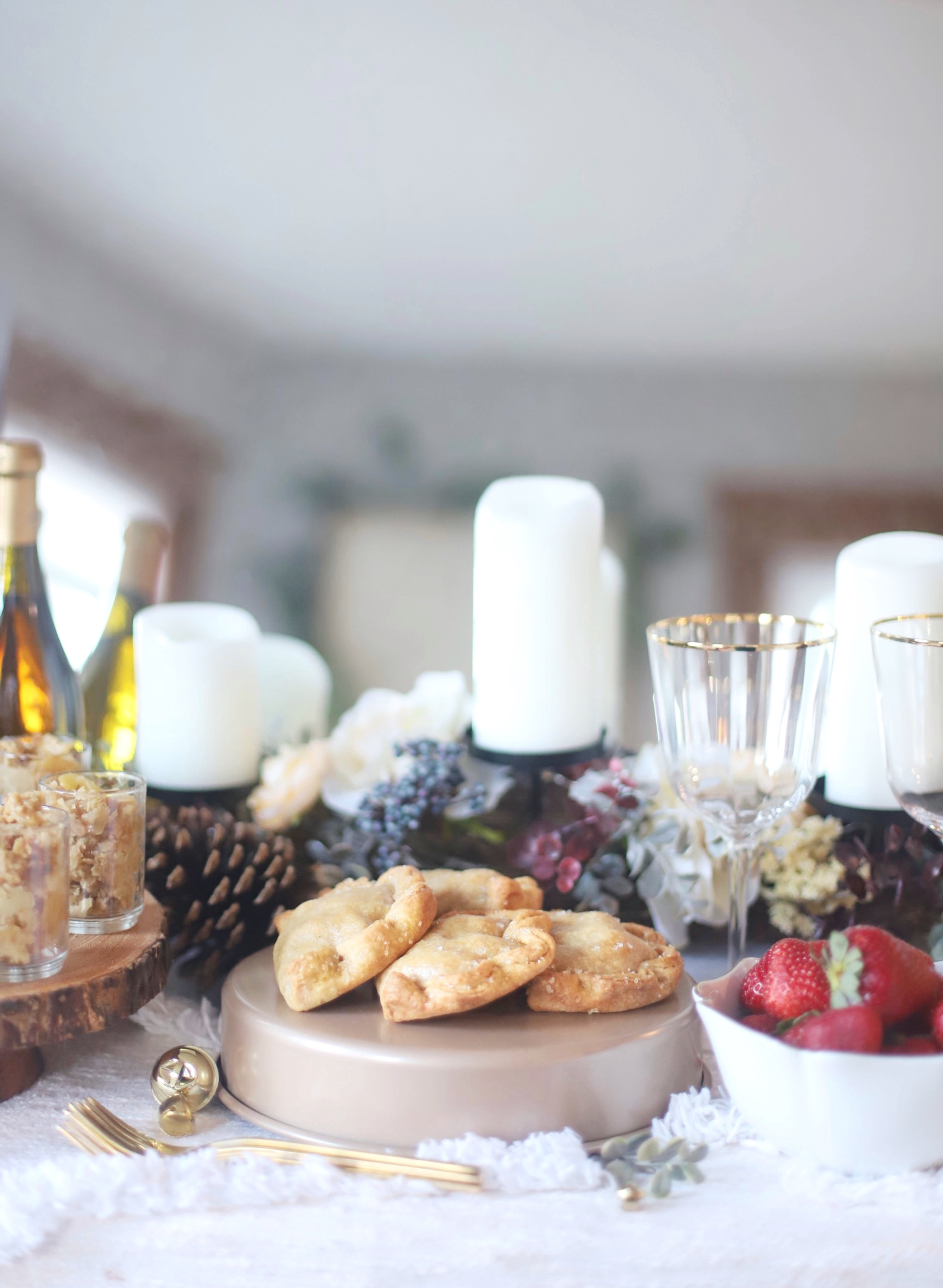 If you love a good dessert buffet, you will love this simple and beautiful woodland winter holiday dessert bar for your next festive Christmas or Hanukkah celebration! | @glitterinclexi | GLITTERINC.COM