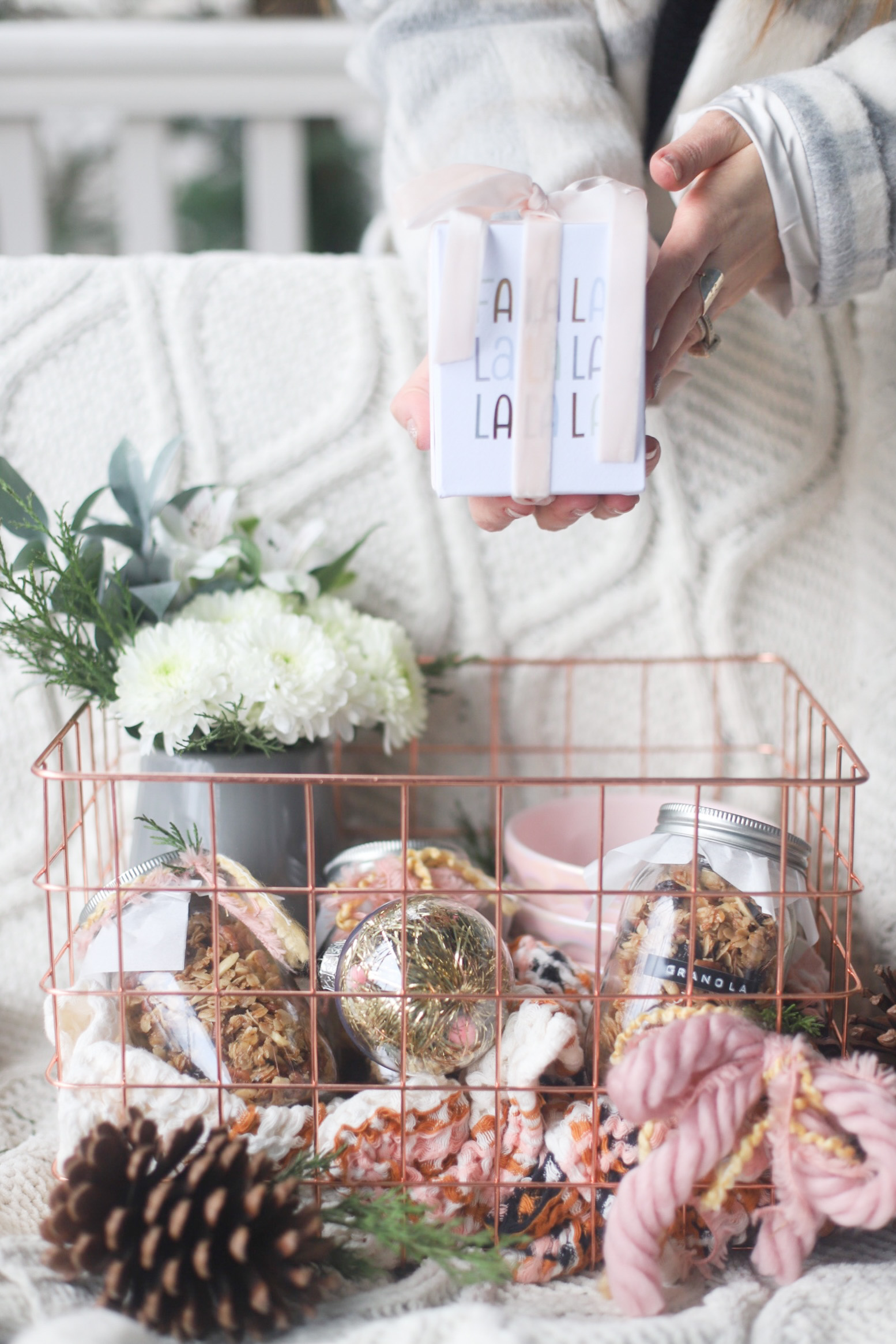 3 Favorite Handmade Gifts to Give This Holiday Season, including homemade granola in jars, Christmas candles from the grocery store, and a DIY floral arrangement using store-bought flowers. | @glitterinclexi | GLITTERINC.COM