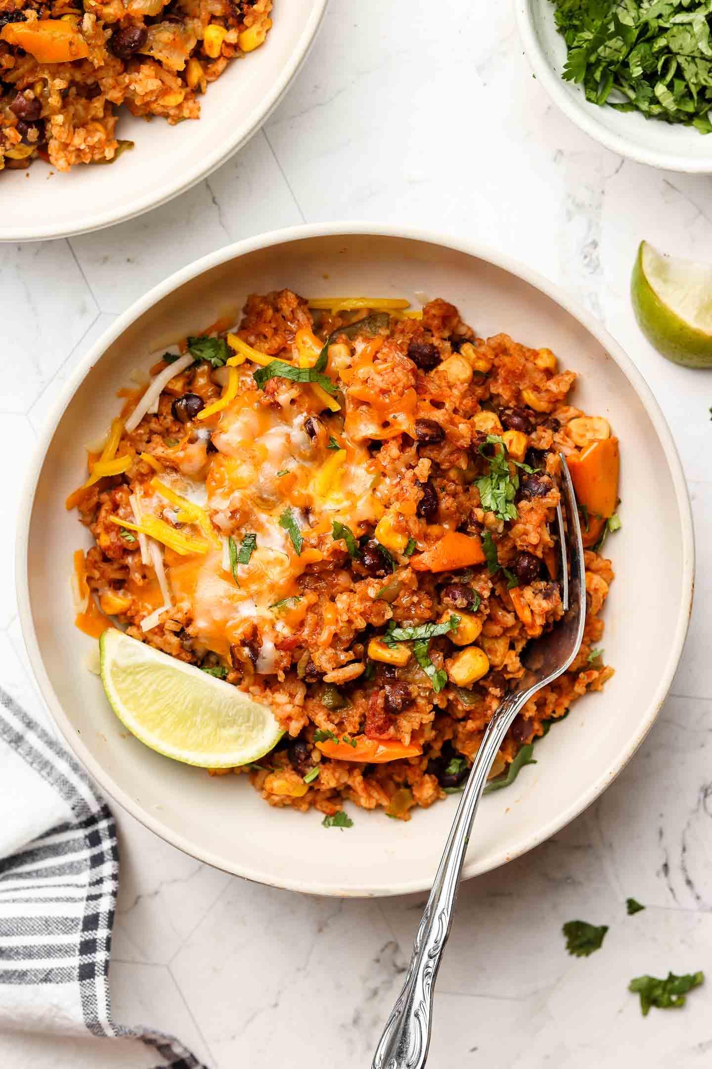 65 Easy Instant Pot + Crockpot Dinner Recipes | Vegan Instant Pot Burrito Bowls