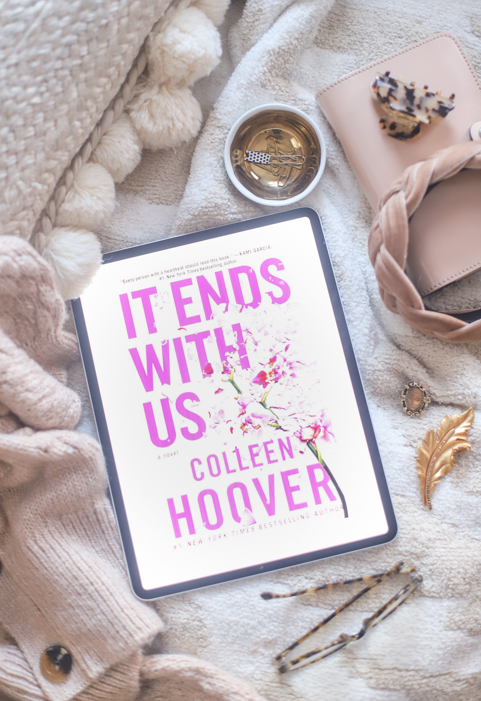 5 Books I Recently Read and Loved - Book Recommendations, including It Ends With Us by Colleen Hoover | @glitterinclexi | GLITTERINC.COM