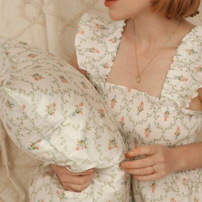 WEEKLY FINDS | Hill House Sisi Silk Pillowcase | @glitterinclexi | GLITTERINC.COM
