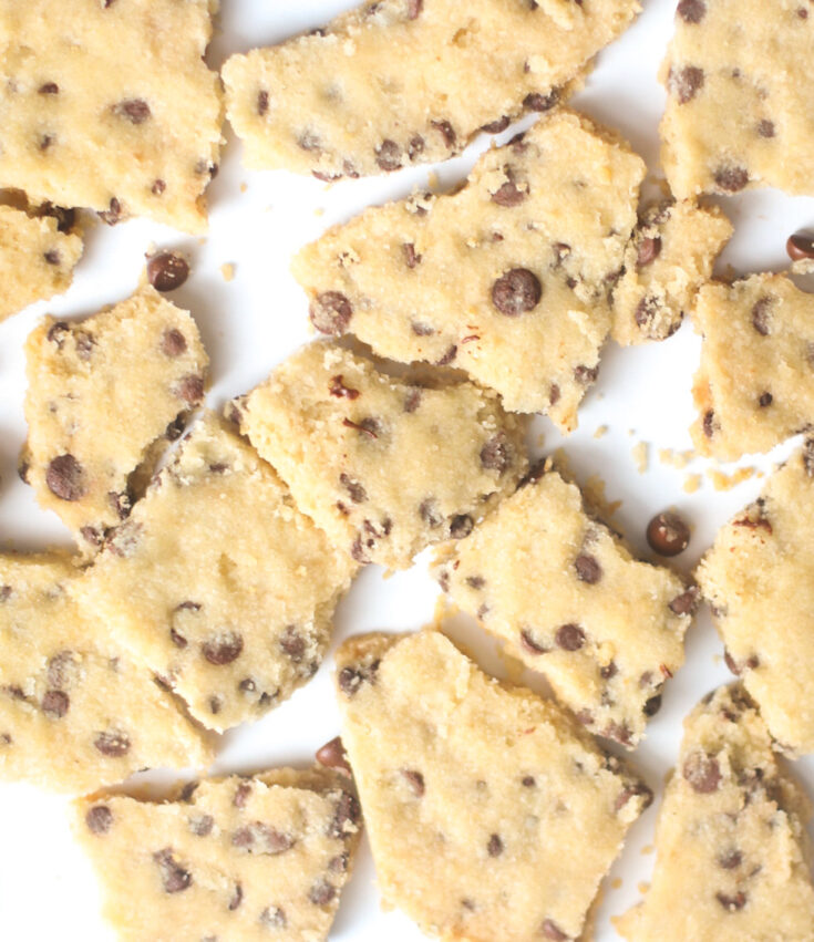 Vegan Chocolate Chip Cookie Brittle Recipe - These Cookies are Highly Snackable and So Much Easier Than Traditional Chocolate Chip Cookies | @glitterinclexi | GLITTERINC.COM