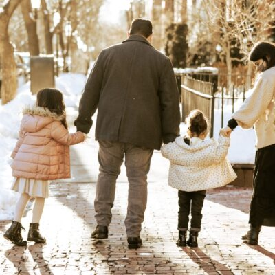 Winter Family Photos in Back Bay | Boston Snow | @glitterinclexi | GLITTERINC.COM