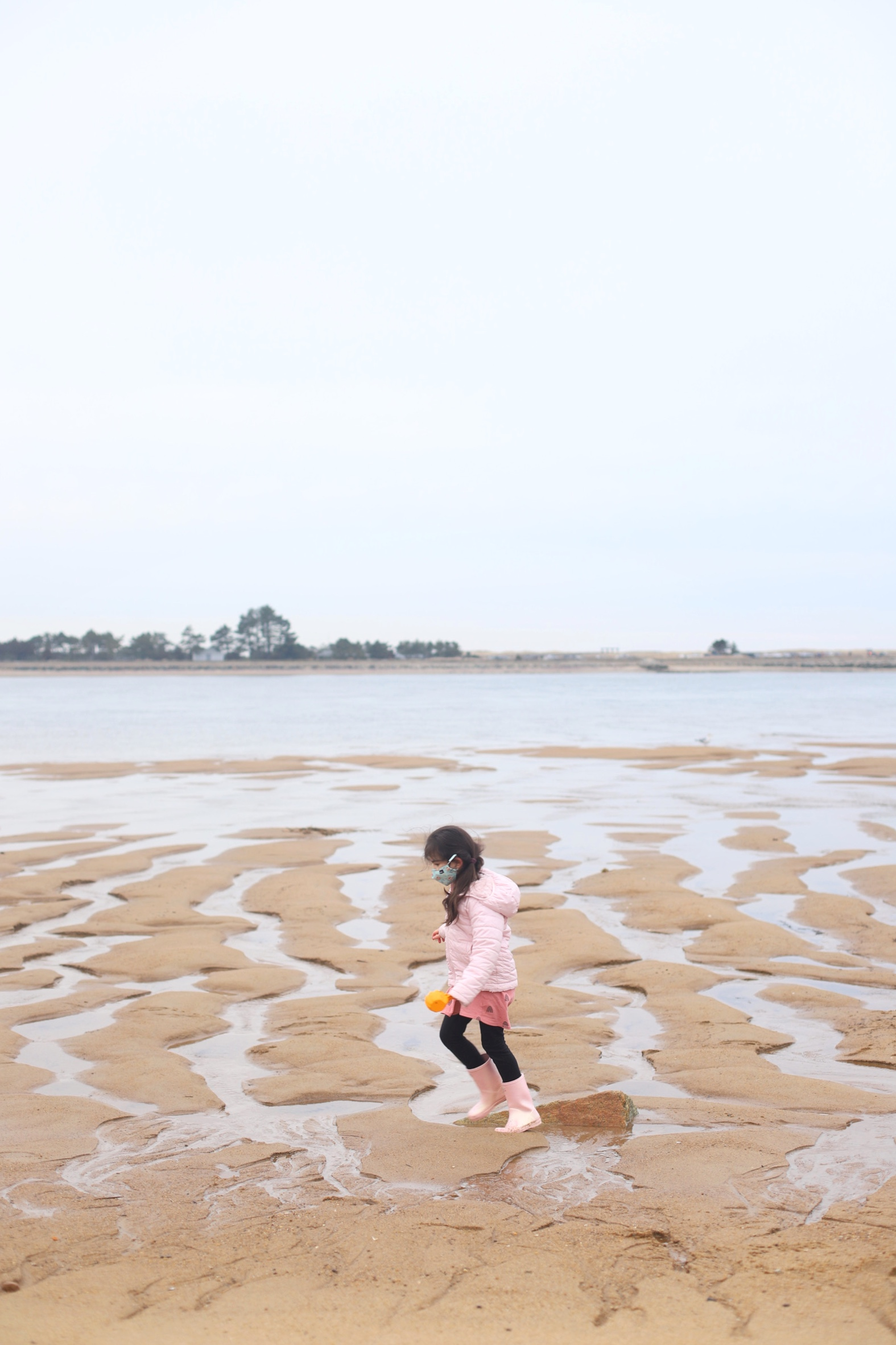 beach day with kids in winter