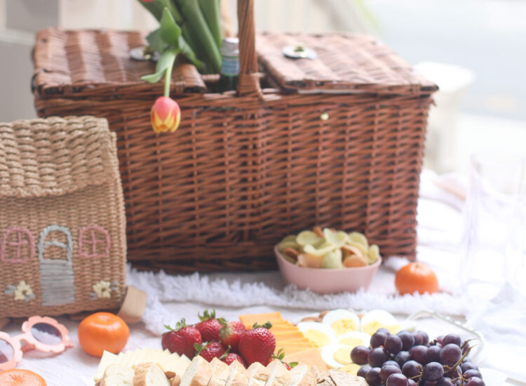 How to Throw a Super Simple Front Porch Picnic And Snack Charcuterie Board